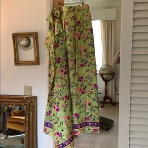 Beautiful long vintage wrap skirt. Ties and button